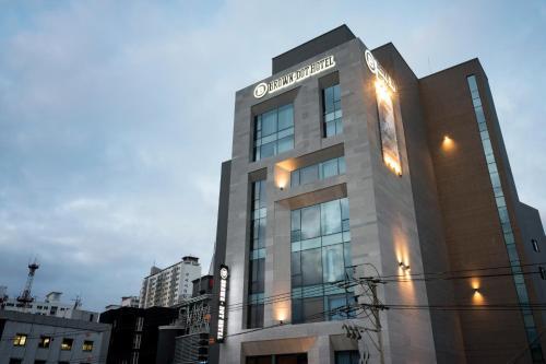 Brown-Dot Hotel Guseo, Geumjeong