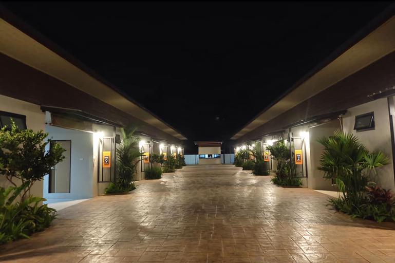 Leona hotel, San Sai