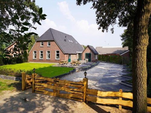 Beautiful Holiday Home in Heino with Swimming Pool, Raalte