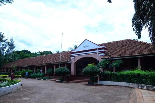 Masindi Hotel, Buruli