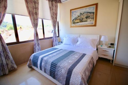Hotel Orestiada, Beratit