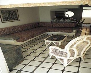 Babilonia Suites, Lic. Diego Bautista Urban
