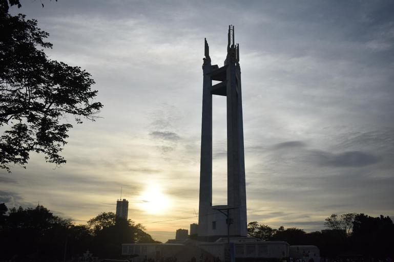 Queen Size Bdrm. with AC, Marikina