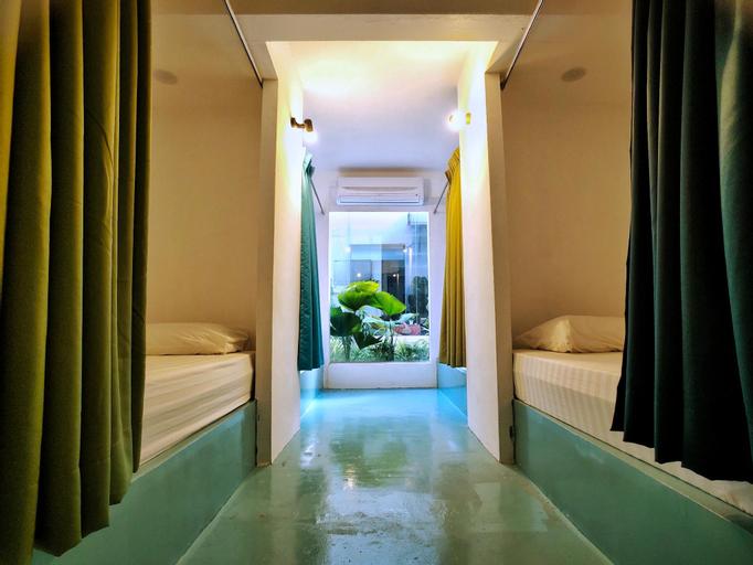Beds In Garden Hostel, Kinta
