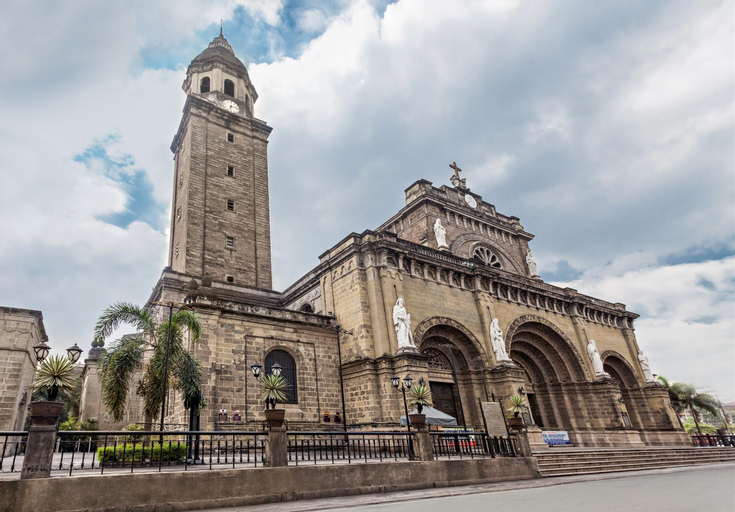 Chino Roces, Makati City