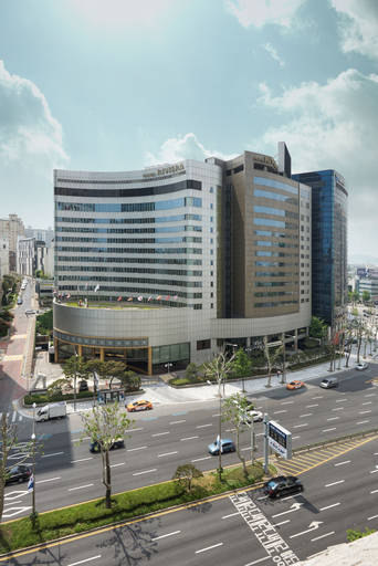 Riviera Hotel, Seongdong
