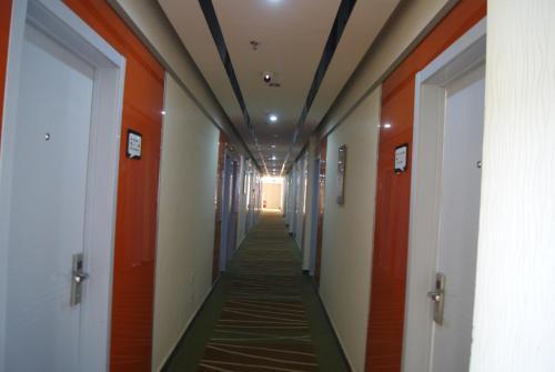Thank Inn Chain Hotel Shandong Laiwu Luzhong East Ave, Laiwu