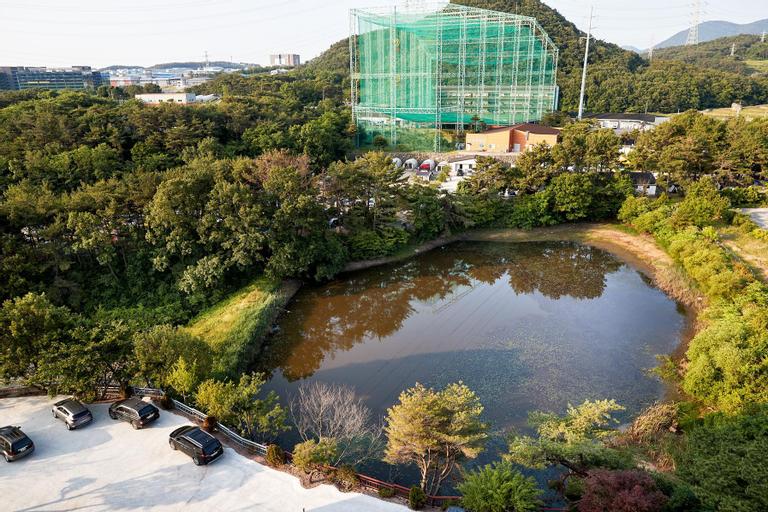 Dong Busan Tourist Hotel, Geumjeong