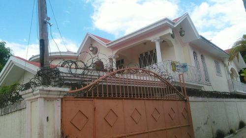 Light Love Guesthouse, Port-au-Prince