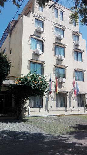 Hotel María Angola, Santiago
