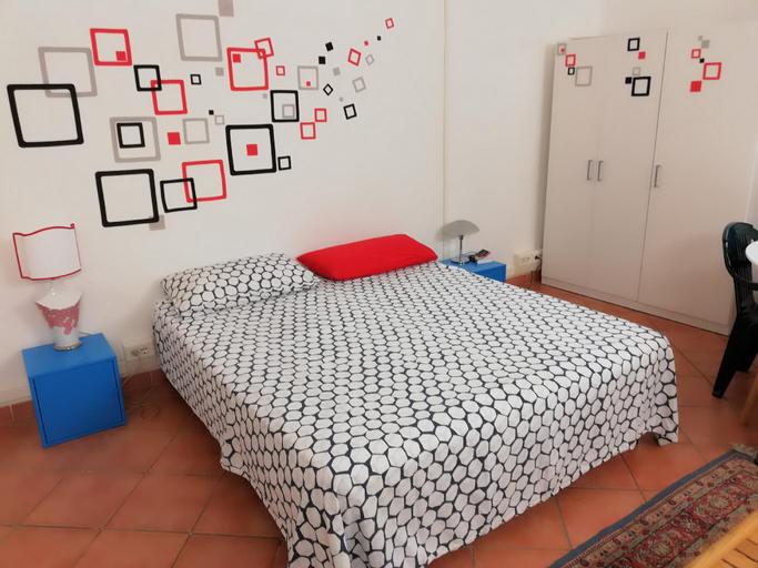 BED+BOOK. POP ROOM DUOMO VIEW, Prato