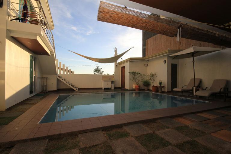 Westcliff Villa, Malay