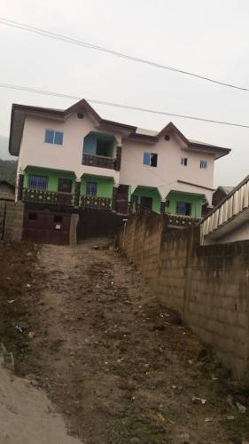Mokonya's Guest House, Fako
