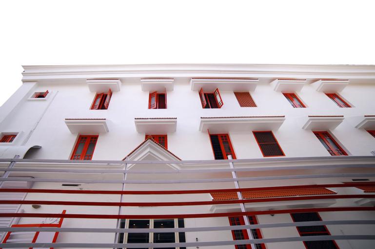 OYO 6997 New Kochi Residency, Ernakulam