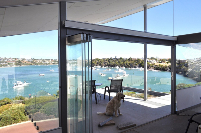 River Front Architect Villa, Fremantle