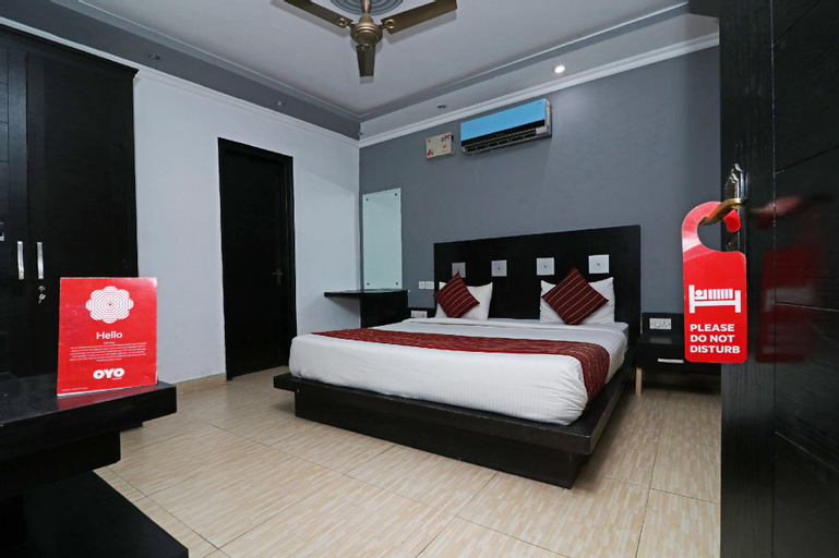 OYO 6895 Hotel Cybercity Rooms and Suites, Gurgaon