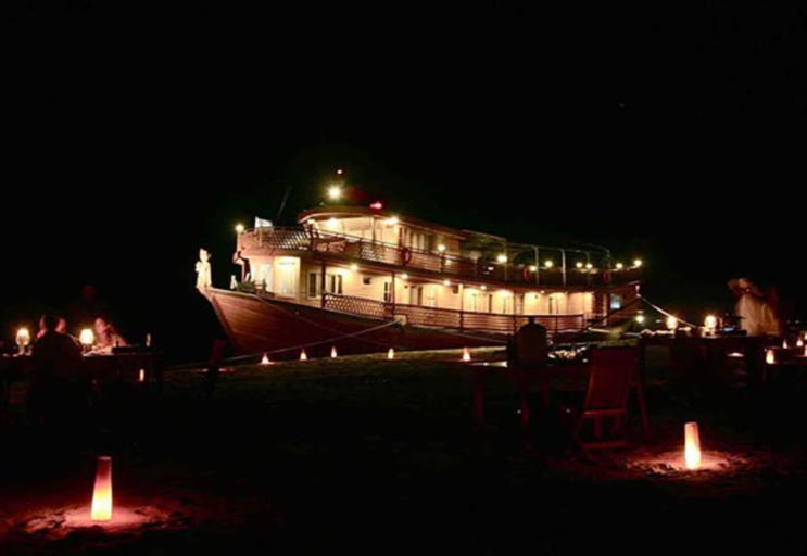 Amara River Cruise, Mandalay