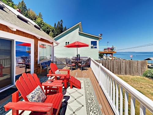 3336 S Shoreline Drive Home, Island