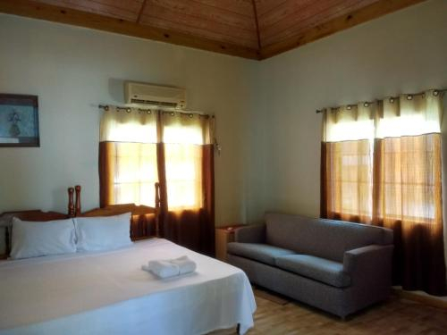 Golden Sands Guest House,