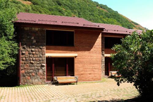 Apricot Aghveran Resort,