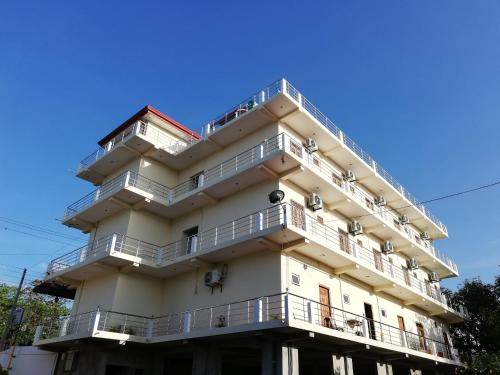 Hero Palace Hotel, Kuchchaveli