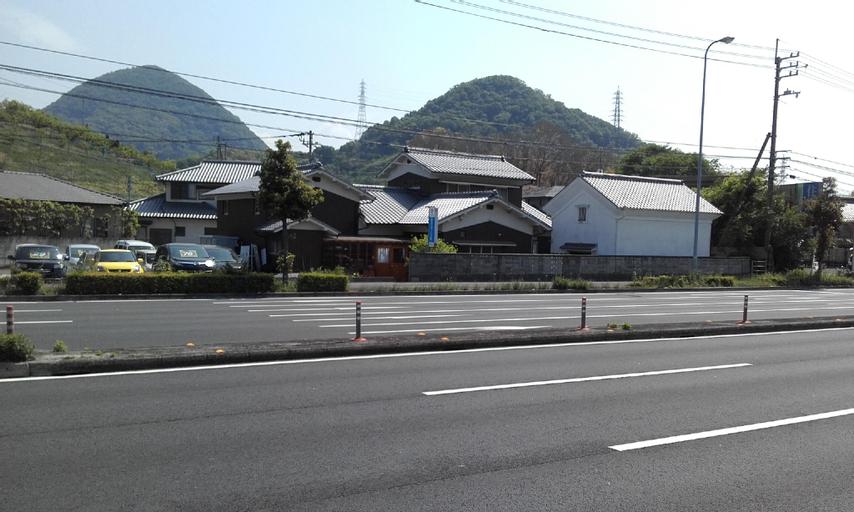 Caravan Guest House Sanjyo, Takamatsu