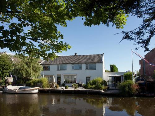 Charming Holiday Home in Katwijk South Holland with terrace, Katwijk