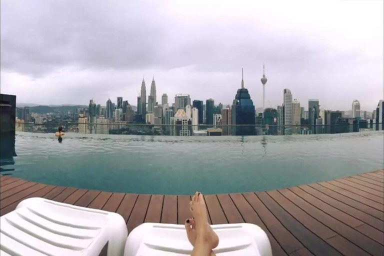Cozy Studio With Gorgeous Infinity Pool Views, Kuala Lumpur
