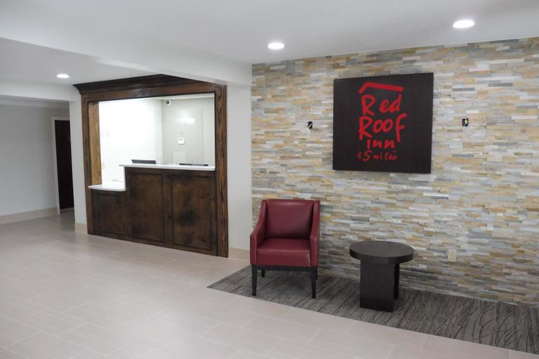 Red Roof Inn & Suites Middletown, RI, Newport