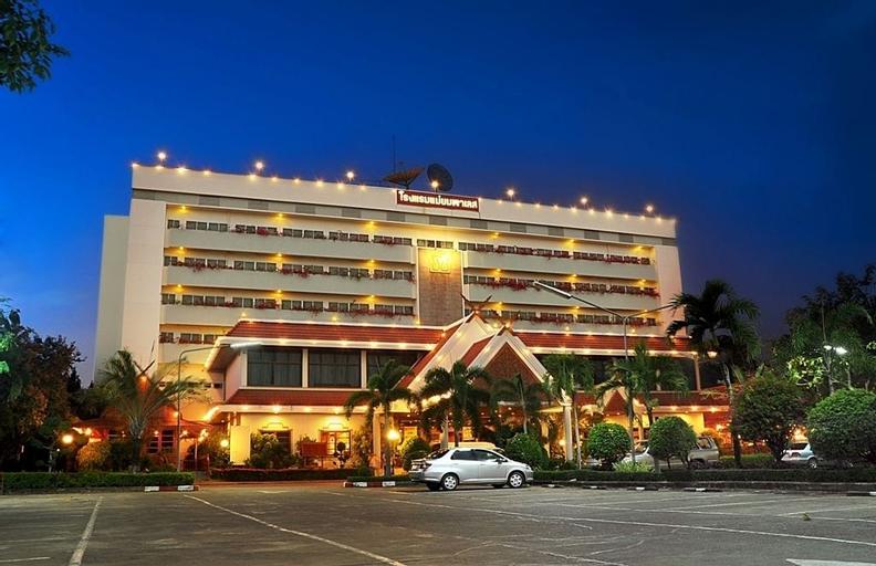 Mae Yom Palace Hotel, Muang Phrae
