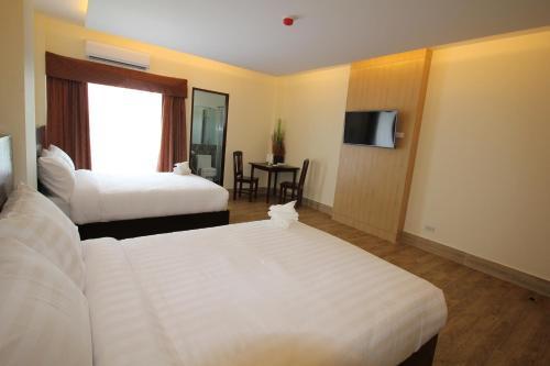 Kamayan at Palaisdaan Resto Resort, Bay