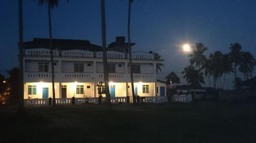 Aqil Beach House, Marang