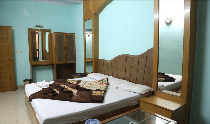 Hotel Delhi Regency, West