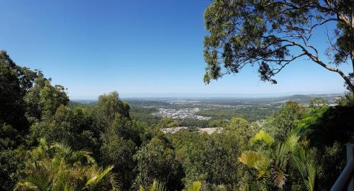 Million Dollar Views to Gold Coast, Kingsholme-Upper Coomera