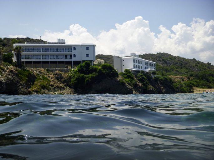 E.J. Pyrgos Bay Hotel,