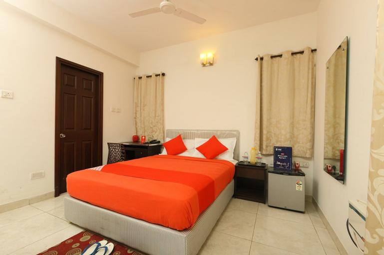 OYO 23294 SilverKey Sector 63 Noida, Gautam Buddha Nagar