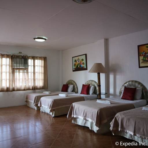 City of Springs Resort & Hotel, Los Baños