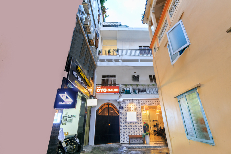 OYO 559 Gaudi, Quận 1