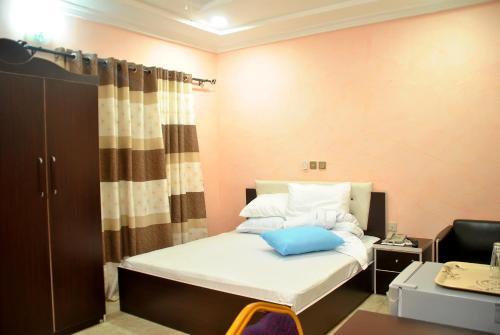 A.B.U Hotels, Sabon-Ga