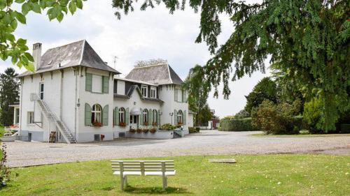 Le Chateau de Neuville, Aisne