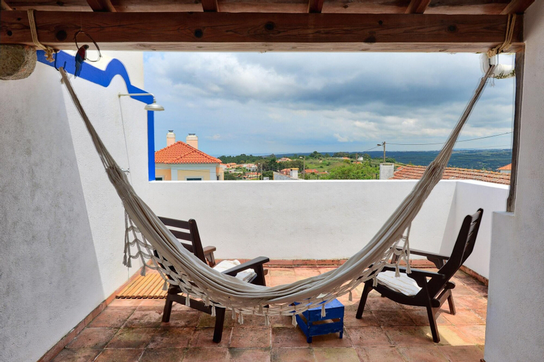 House With 2 Bedrooms in Colares, With Wonderful sea View, Furnished Balcony and Wifi - 2 km From the Beach, Sintra