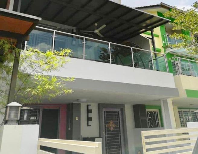 Kepong Spacious Vacation House, Kuala Lumpur