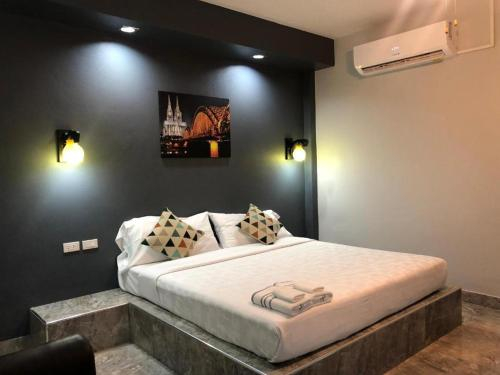 Relax Resort, Banphot Phisai
