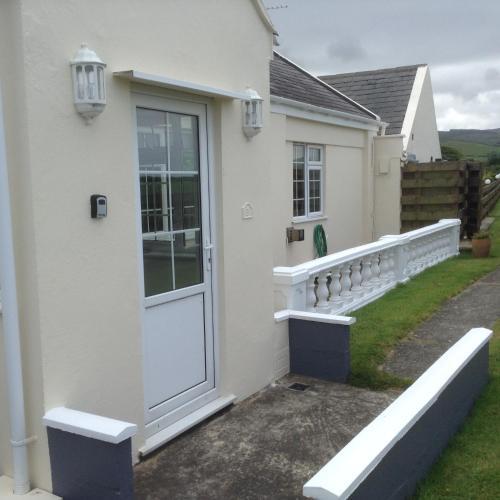 Ballaterson Cottages, Ballaugh