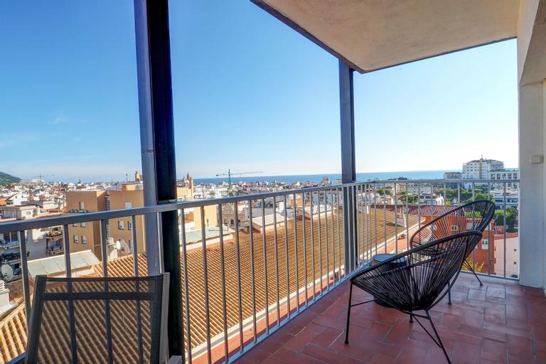 Chic Sea View Apartment, Barcelona