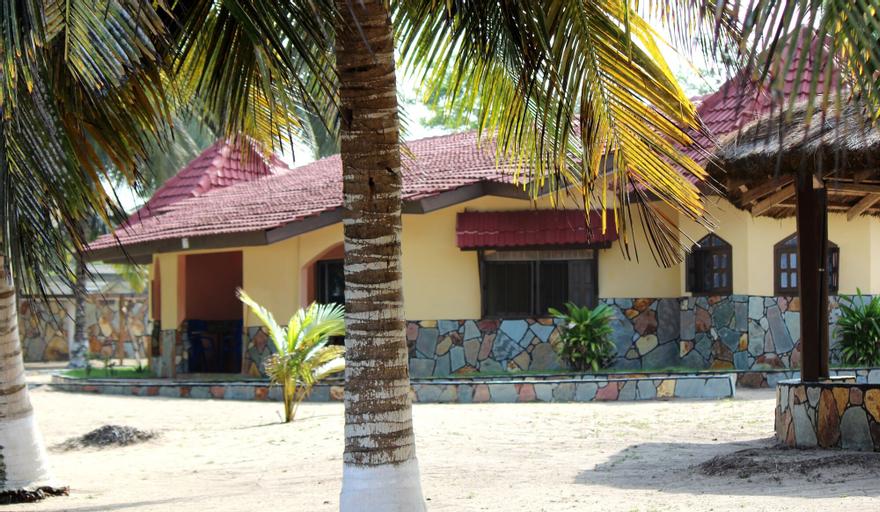 Ayikoo Beach House, Komenda-Edina-Eguafo-Abirem