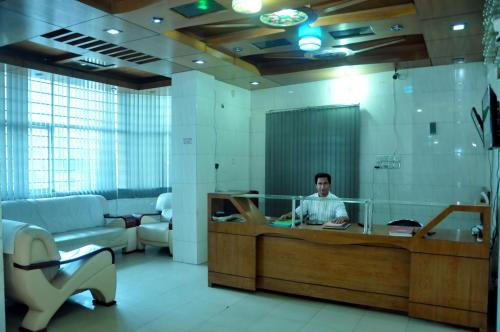 Hotel Ishaqi Amos, Moulvibazar