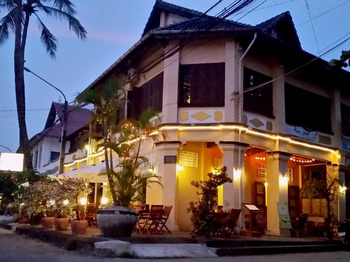 Auberge du Soleil, Kampong Bay