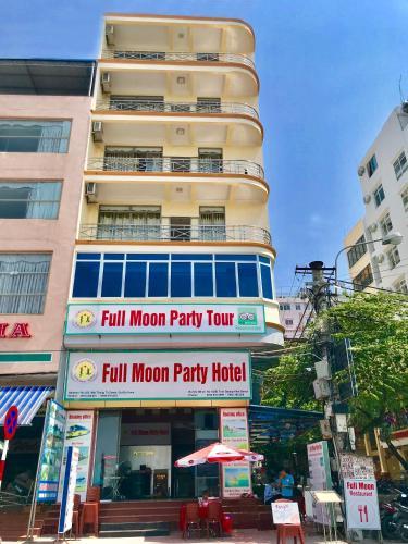 Full Moon Party Hotel - Hostel, Cát Hải