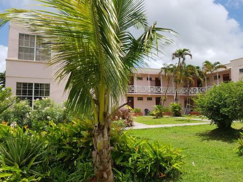 Frobelia Beach Apartments,